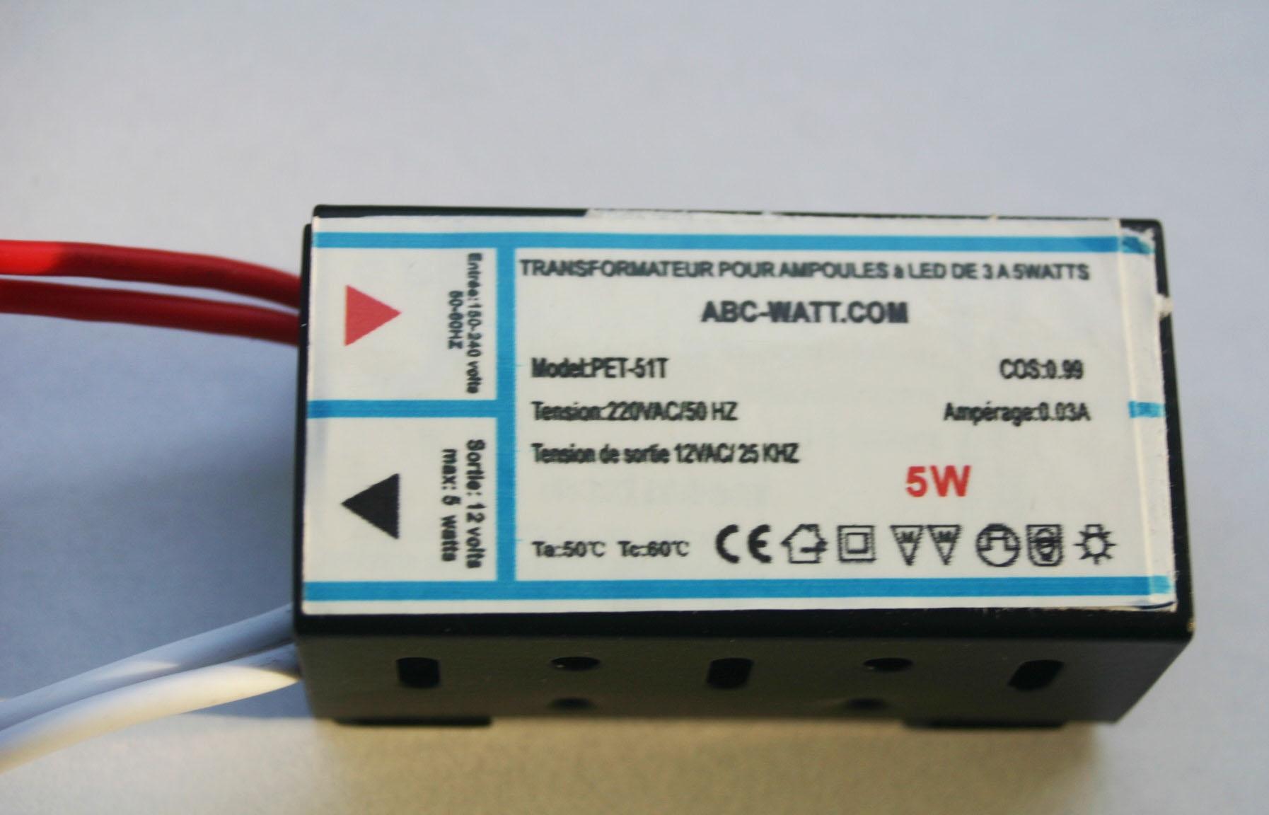 Transformateur pour ampoules à led 12 volts de 3 à 5 watts